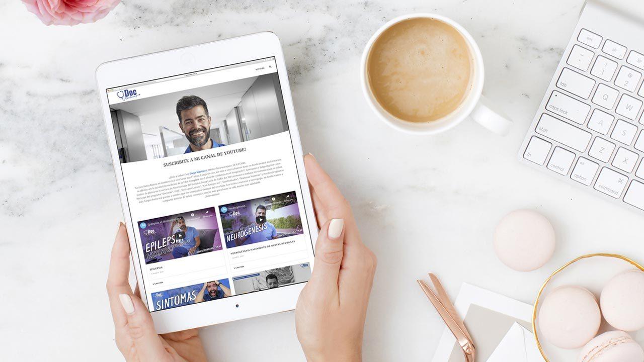 Servicio de creación de blog. Diseño y desarrollo. Sección con artículos que te ayudan a posicionarte en tu sector y en google. Consultanos somos okd estudio